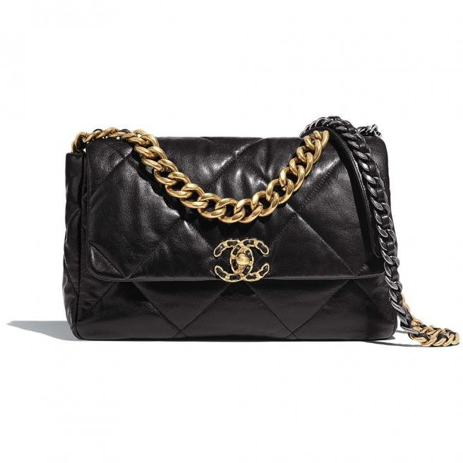 【CHANEL】Classic quilted goatskin shoulder bag
